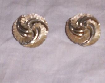 vintage clip on earrings 2 tone swirl flowers