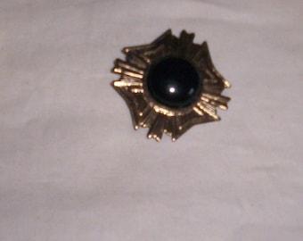 vintage pin brooch black stone