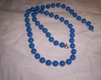 vintage necklace lucite blue