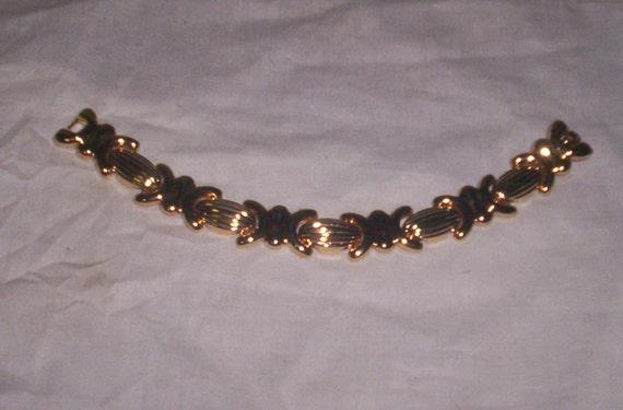 vintage avon goldtone bracelet
