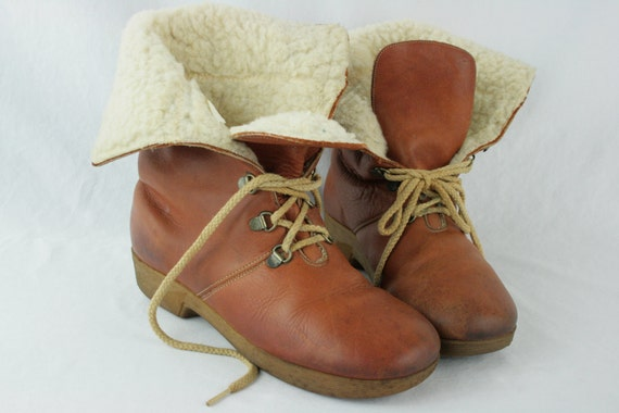 Versatile 70s/80s Slouchy Brown Leather Fold Over Sherpa Lined Lace Up Boots