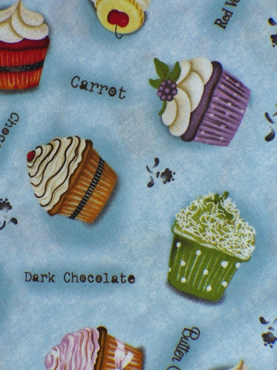 Cupcakes Fabric / BTY 2 yds for topnotchdesigns
