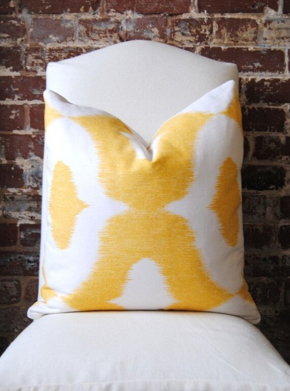 Dalesford - Duralee - yellow - 18 in square - Designer Pillow - Decorative Pillow - Throw Pillow
