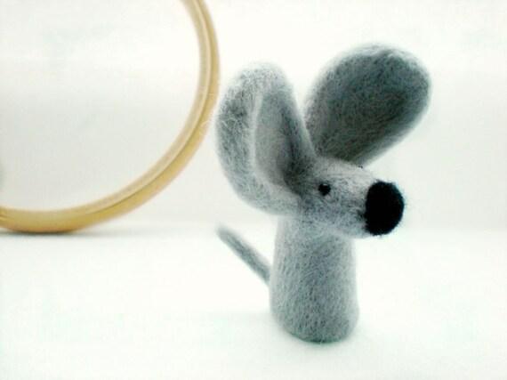 Grey Felt Mouse - Needle Felted Light Grey Mouse Sculpture