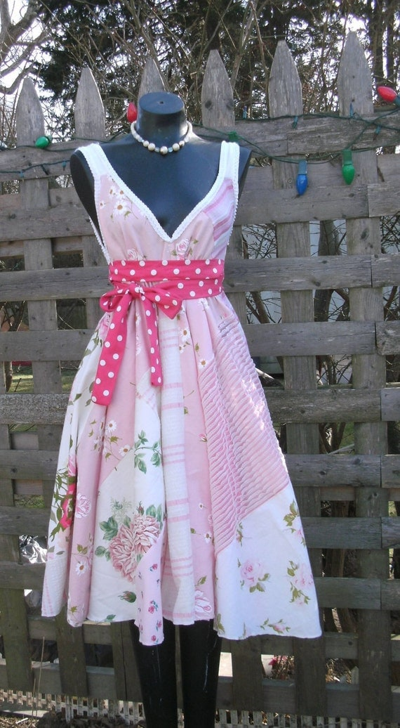 RESERVED for Jellybee97 plus size Tea dress  vintage fabric  can be worn 3 ways