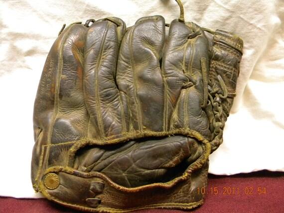 Vintage Baseball Mitt 49