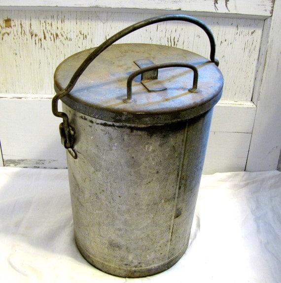 Vintage Galvanized Bucket With Lid