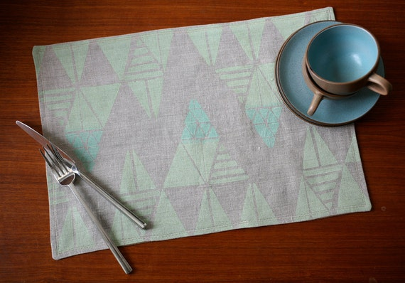 Blockprinted Linen Placemats - Mountains in Mint/Moss (set of 4)