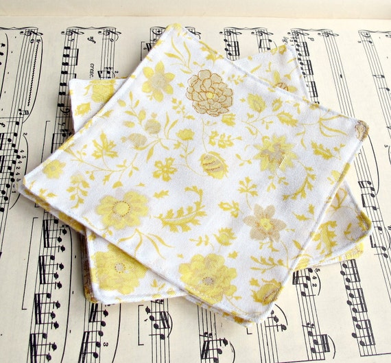 Reusable Cocktail Napkins. Picnic Cloth Napkin Set. Eco Friendly Vintage Bed Linen Fabric. Yellow Brown Floral Retro. Set of Four 4