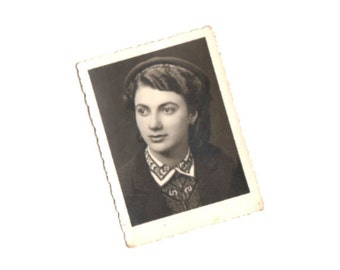 Vintage photo Schoolgirl wearing a beret / Snapshot photography / Paper ephemera / Old photo Photo image Portrait / Collectibles by DILMA