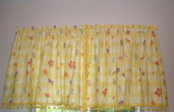 vintage kitchen curtains yellow and white with flowers and yellow