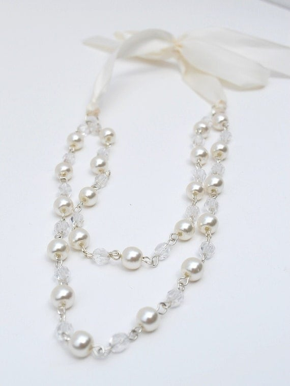 White Ribbons and Pearls Necklace
