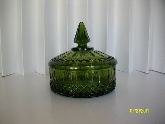 Vintage green cutwork glass candy dish for Glass cut work designs