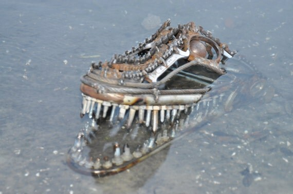 Scrap metal alligator head sculpture