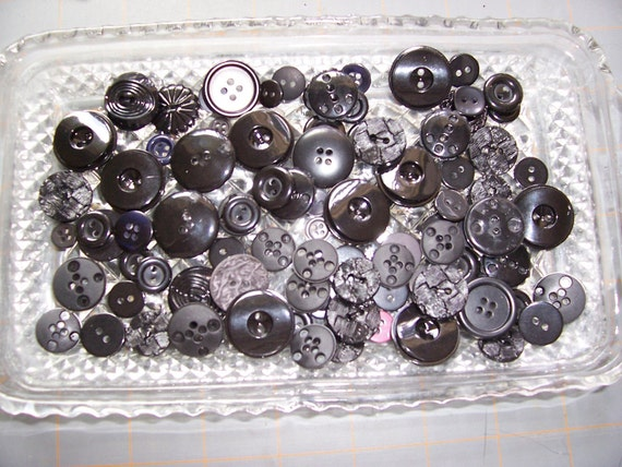 1 Bag Assorted Black Buttons