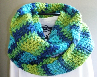 Bulky Crochet Scarf  - Blue Green Crochet Infinity Scarf - Women's Accessories - Circle Scarf - Cowl Scarf - Gifts for Her