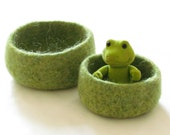 Nursery decor - Felted bowl  - Cozy gift - waldorf toy -  Set of two nesting bowls