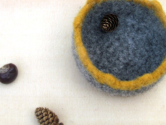 Grey yellow Felted bowl - Organic eco-friendly   - Chunky scalloped grey and mustard yellow - ON SALE 40% OFF
