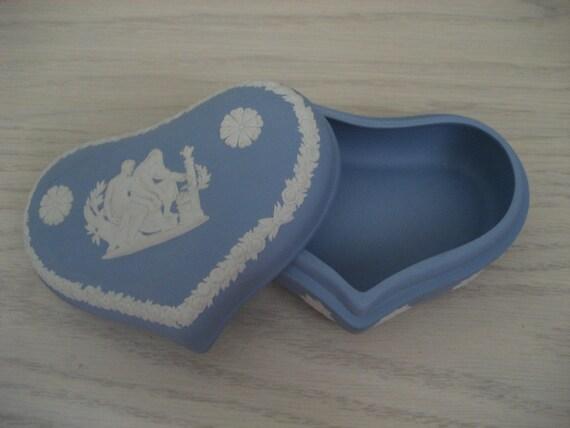 Vintage Wedgewood Jasperware Heart Trinket Box