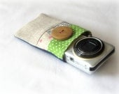 Zakka style small camera case, compact camera sleeve, original patchwork, well padded. Polka dots and linen.