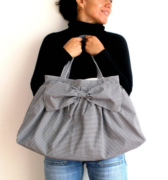 Checkers print pleated tote, shoulder bag. Hobo bag. Big bow. Large size.