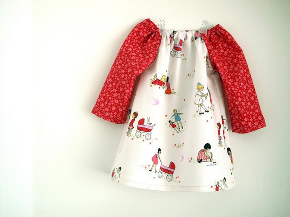 Baby girl dress, peasant dress, tunic. Playing time. Long sleeve. White and red. Size 9 -12 months