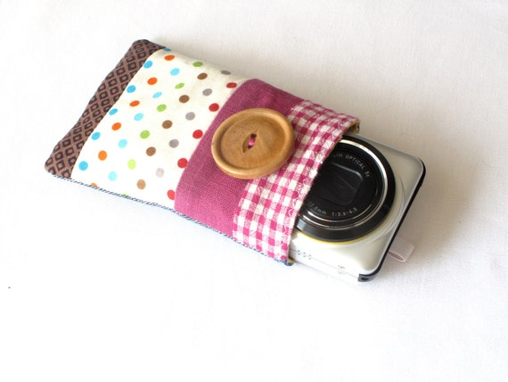 Zakka style small camera case, compact camera sleeve, original patchwork, well padded. Polka dots and red gingham.