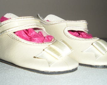 Fits 12 Inch Sasha Baby....Cream German Button Strap Doll Shoes.....Item No. 251CR