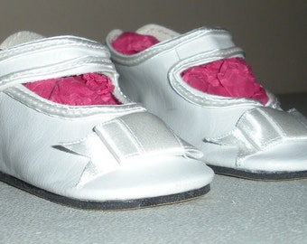 Fits 19 Inch Chatty Cathy Doll .... White German Button Strap Doll Shoes.... Item No. 289WH