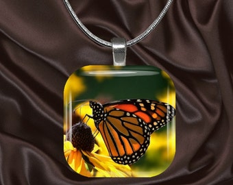Monarch Butterfly Glass Tile Pendant with chain(CuBu3.6)