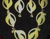Neo-Retro Olivine Leaf Necklace set