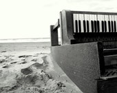 Today at the beach we found a piano... - Georgewithears
