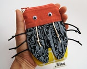 Geeky Gift Zipper Pouch - iPod Smartphone Camera Case - Card Holder Gadget Case: Digital Firefly Bug Bite