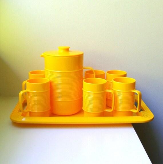 Mid Century Mod Yellow Set Pitcher Mugs Tray Art Deco Ribbed Plastic 1970's