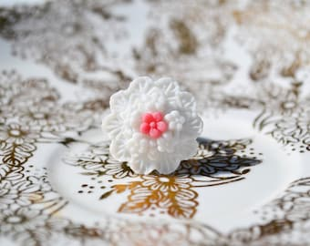 Promise Bouquet Ring - White and Pink