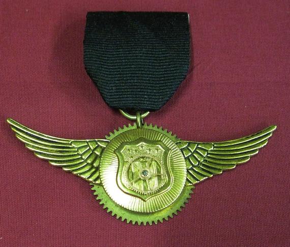 Steampunk airship pilots medal