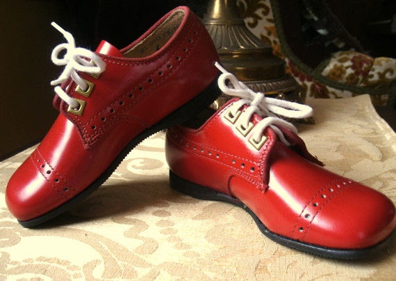 Beautiful NEW Old Stock Red Leather Baby Toddler Shoes Jumping Jacks Baby Shoes Size 6 / 5 3/4 Inches Long