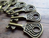50% CLOSEOUT DISCOUNT- Osu Antique Brass/Bronze Skeleton Key - Set of 10