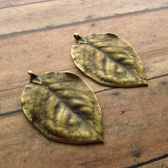 Extra Large Realistic Leaf Pendants in Antique Brass/Bronze - Set of 2