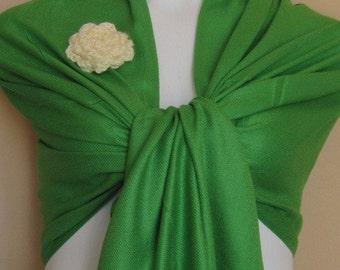 A Beautiful Green Pashmina Scarf, Shawl, Wrap, bridal shawl, bridesmaids shawl, bridal gift