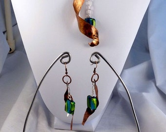 Hammered Copper and Glass Necklace set