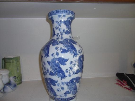 Vase chinese blue white transfer fish koi by motorcyclemamas for Koi fish vase