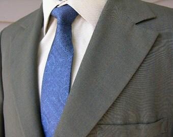vintage late 1960's custom Men's suit. Olive sharkskin window pane plaid. Flat front pant. 42 R.