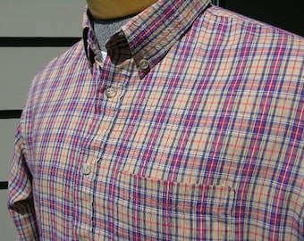 vintage 1980's -JCPenney / The Fox- Mens long sleeve shirt. Preppie plaid - Button down collar. Flat bottom hem. Large