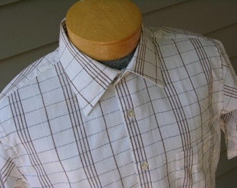 vintage 1970's -Enro- Men's short sleeve shirt. Ultimate summer wear. Loose weave grid pattern. Extra Large. Near new.
