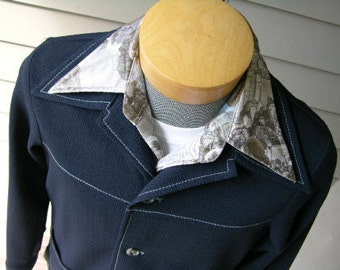 vintage 1970's Men's Leisure Jacket by Farah. Navy Blue textured poly with contrast stitching. Medium Large.