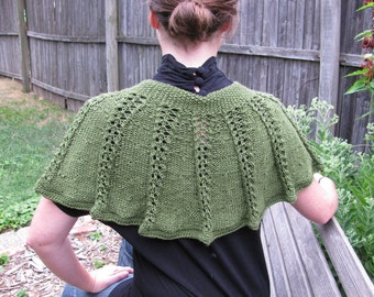 Eyelet Lace Capelet--in emerald bamboo with button closure