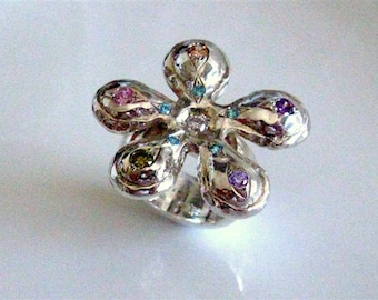 Love Me Love Me Not - Sterling Silver Shiny Daisy Flower Ring with Cubic Zirconia