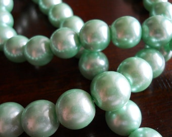 6 Mint Green Glass 14mm Beads