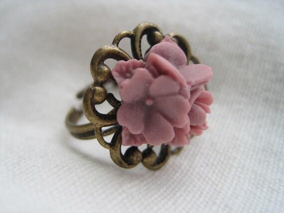 Violette - flower bouquet ring